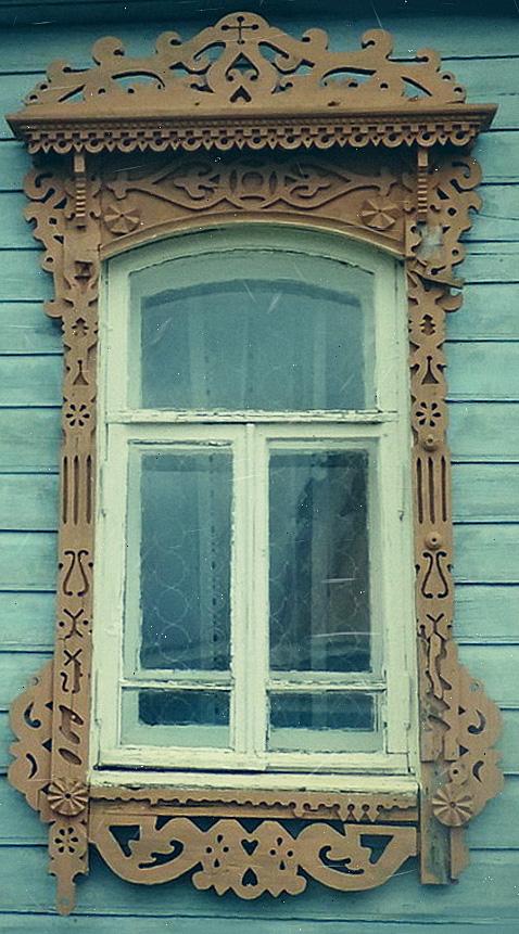 Деревянное окно в Чернопенье