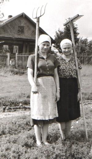 Галина Лимонова и Зинаида Федотова (Кукина) фото из личного архива Г.И.Буториной