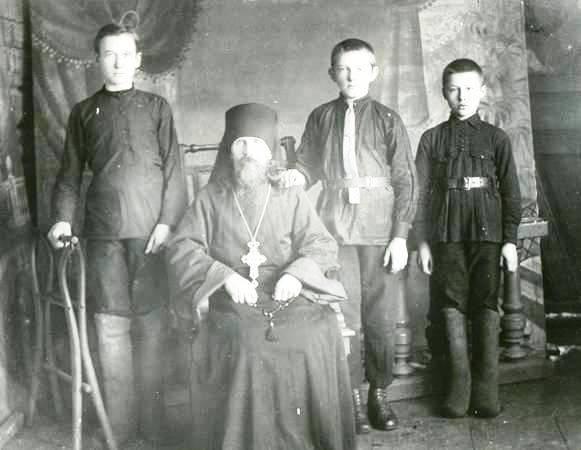 Отец Андрей (Смирнов А.П.) фото из архива краеведческого музея