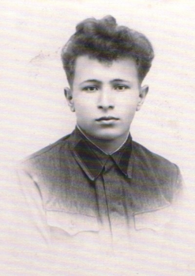 фото № 11 Ф.И.О. неизвестно на обороте фотографии текст «На память дорогой матери и любимой сестре от Н. 8 ноября 1939 года» фото из архива Чухломского музея