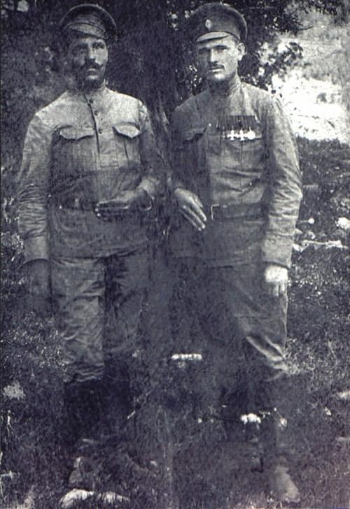 Справа на снимке А.А.Байков фото из личного архива Татьяны Николаевны  Байковой