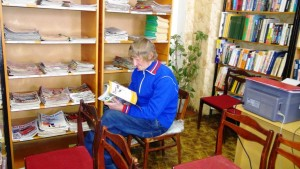 С.Потехин в читальном зале библиотеки им. П.А.Катенина.