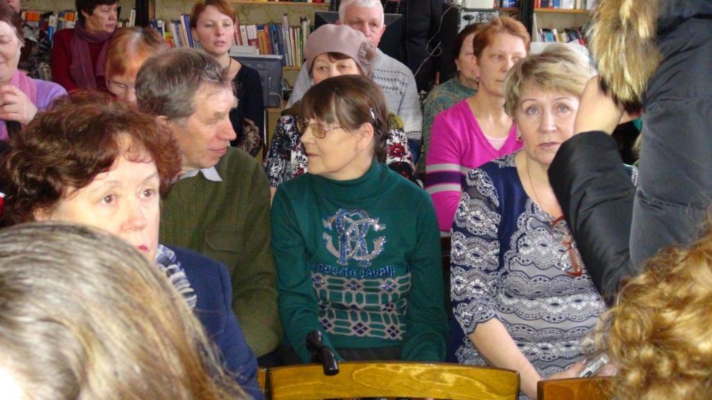 На встрече с поэтом Сергеем Потехиным в читальном зале библиотеки им. П.А. Катенина. Чухлома, 5 марта 2014 года.