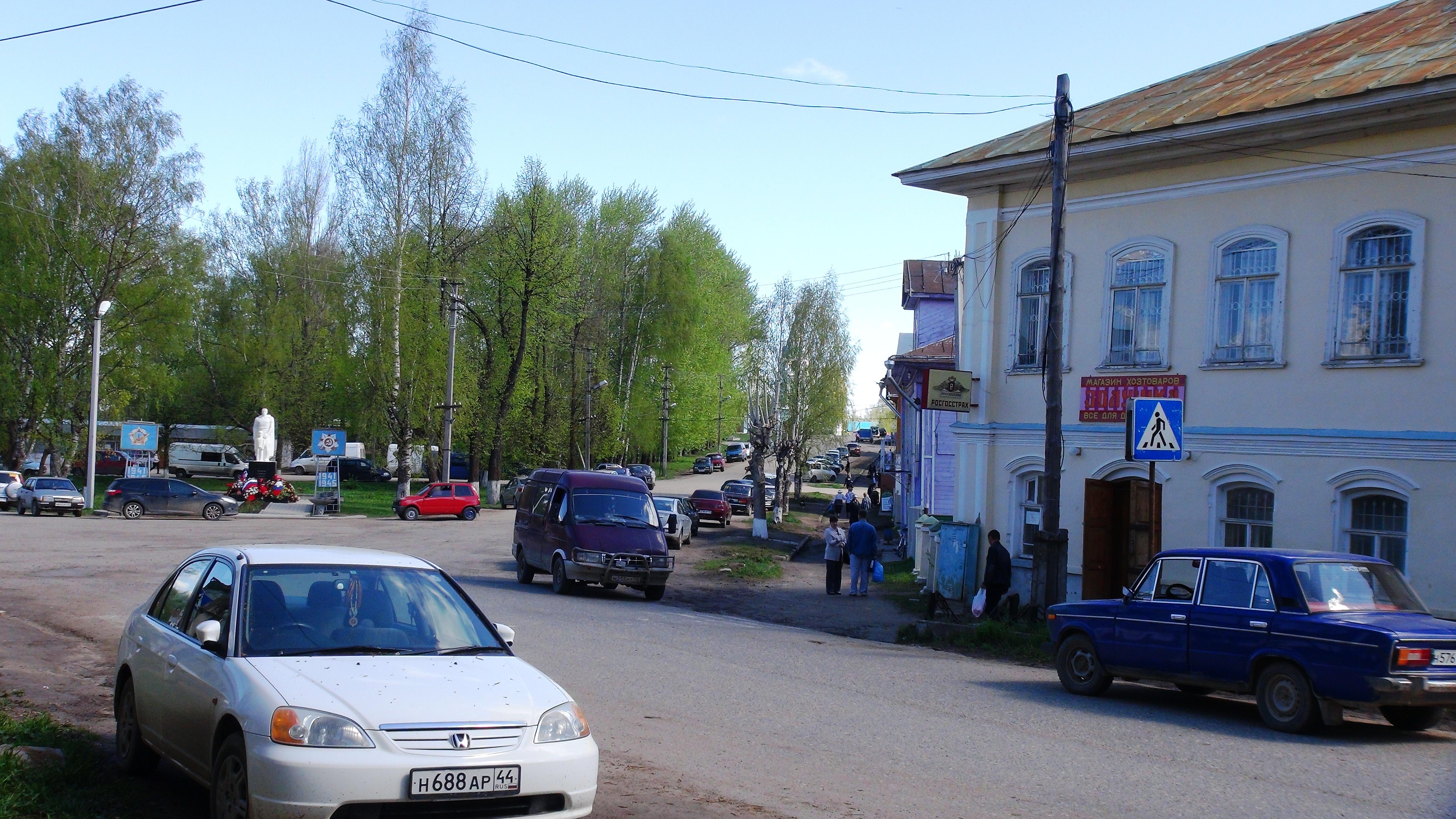 На улицах Чухломы. фото Михаила Шейко, 2014 год.