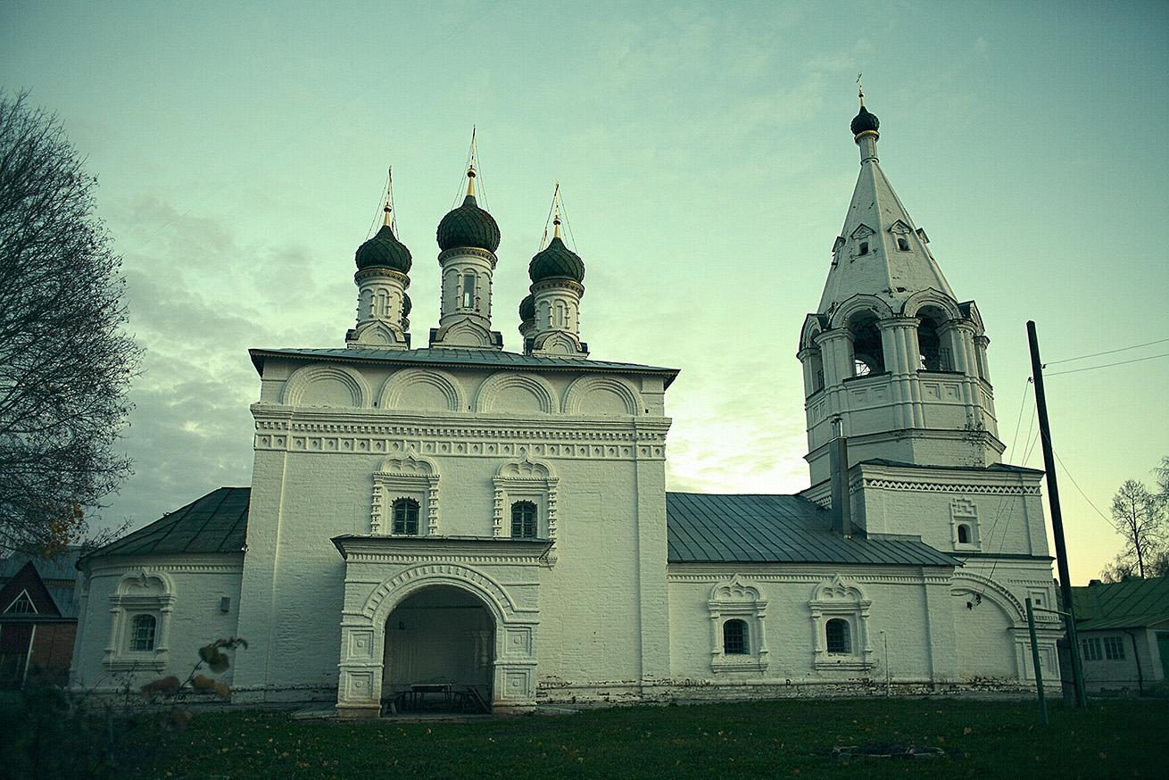 Спасо-Преображенская церковь за Во
