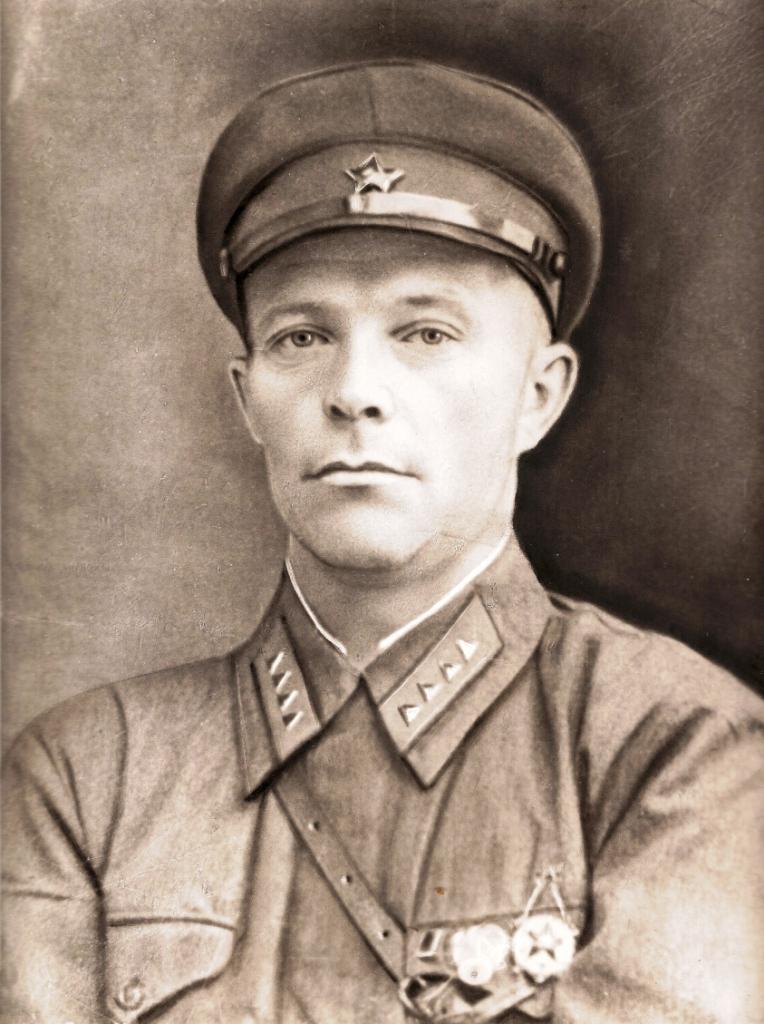 Морозов Михаил Иванович (1903 - 04.08.1944 ) фото из семейного архива