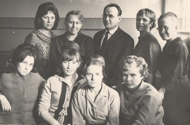 П. В. Куприяновский со слушательницами спецкурса