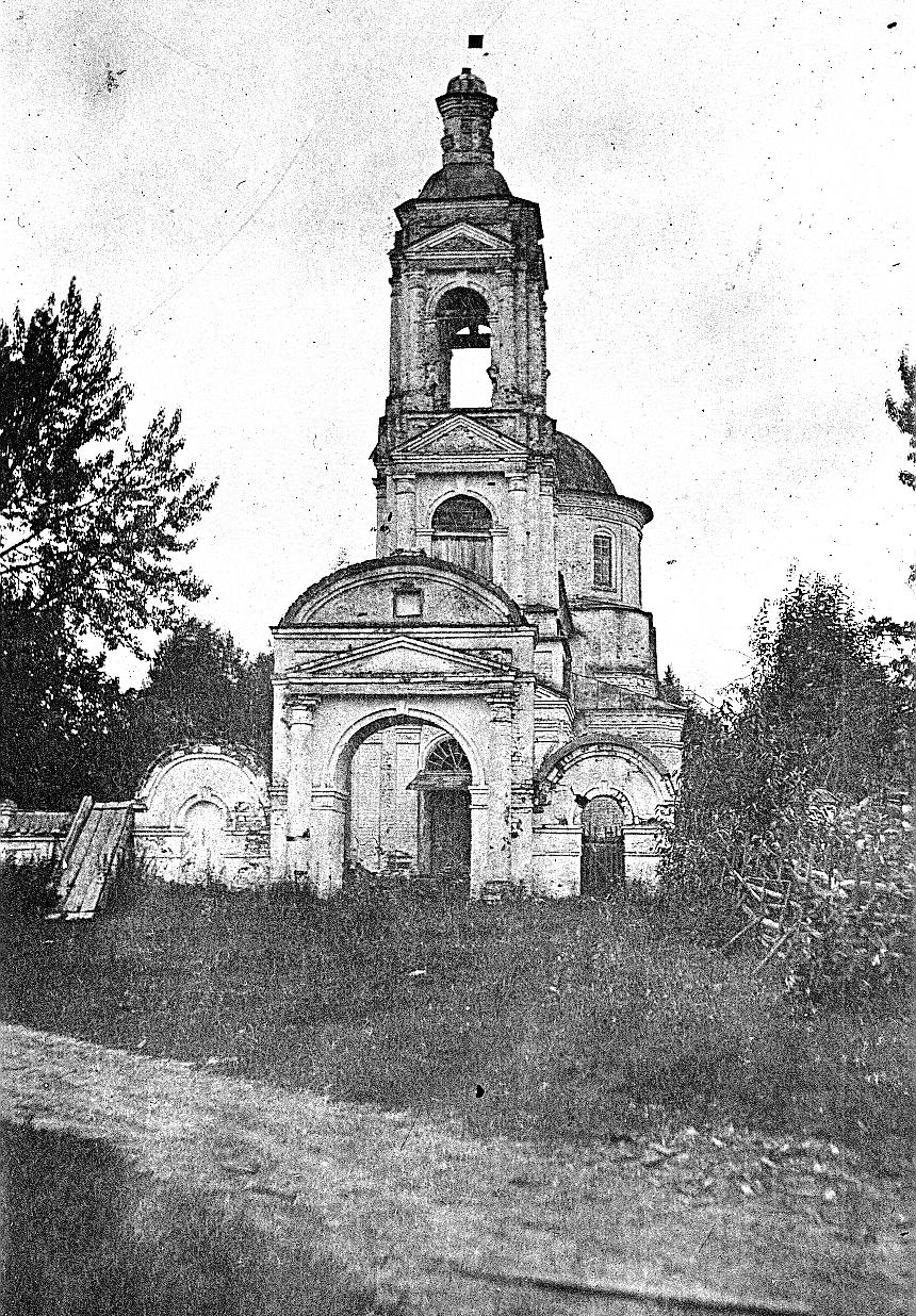 Колокольня Троицкой церкви села Федькова Слободка.