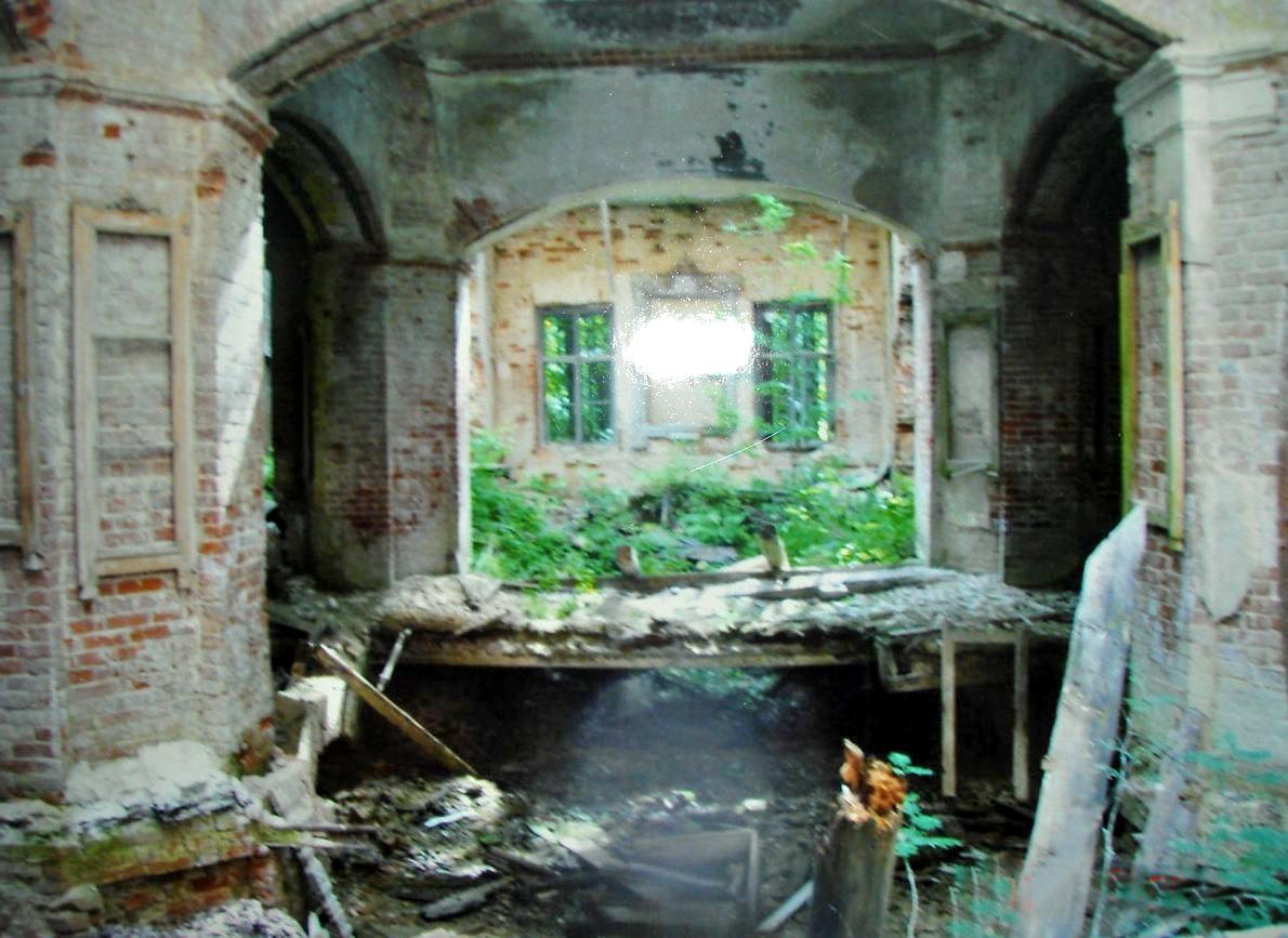 Троицкий храм села Рамешки. фото 2005 года, предоставлено Лидией Родионовой.