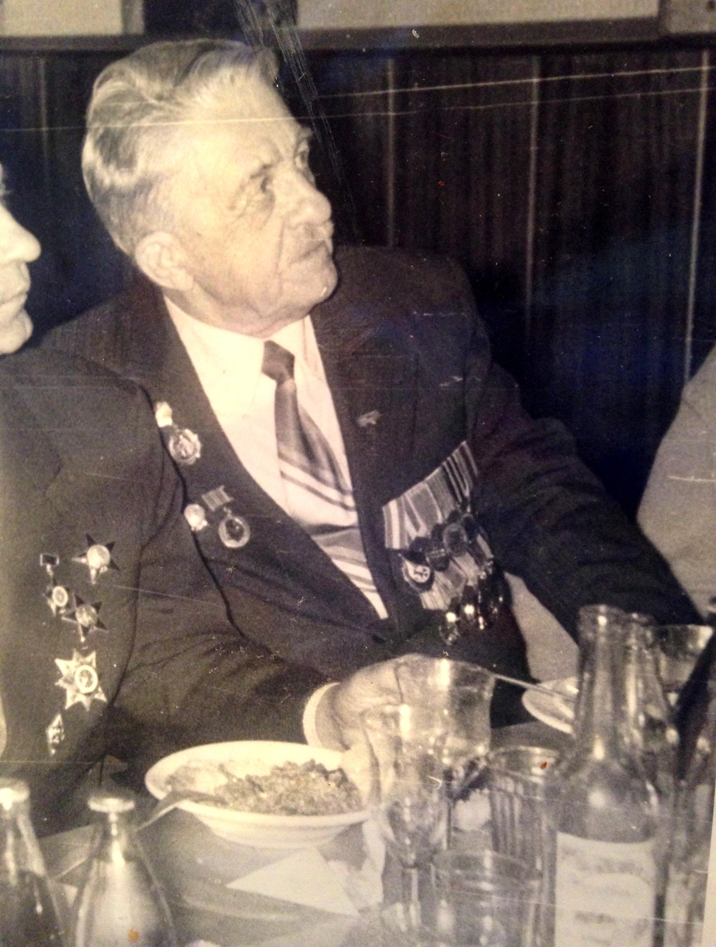 Юрий Александрович Кадников, прошел всю войну инженером войск связи, дослужился до полковника. Фото из семейного архива правнучки Е.Ю.Черкасовой.