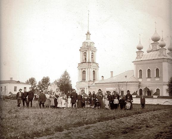 Ризоположенская церковь с. Озерки и жители села.