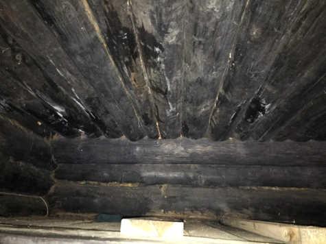 Потолок чёрной избы