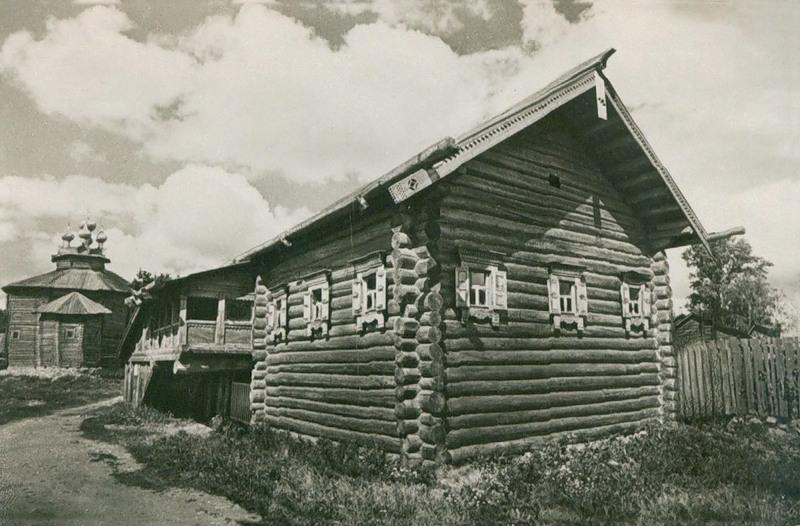 Дом Ершова из деревни Портюг. XIX в. Фото Е.Кассина и М.Редькина
